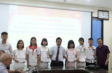 German scholarships presented to Vietnamese students