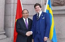 PM Nguyen Xuan Phuc meets Swedish parliament speaker