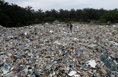 Malaysia plans to return plastic waste to Canada