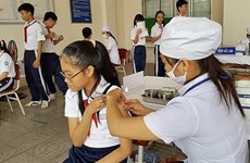 Hanoi's students to be fully vaccinated in coming school year
