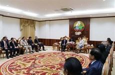 Vietnamese officials visit Laos to strengthen ties