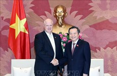 Vietnam creates optimal conditions for foreign investors: NA leader