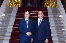 PM urges Samsung Vietnam to expand operation