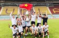 Vietnamese team wins friendly football tournament in Czech Republic
