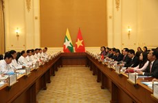 Vietnam wishes to unceasingly develop ties with Myanmar: Deputy PM