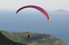 Paragliders to fly over Ly Son Island