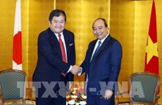 PM meets with leaders of Japanese conglomerates