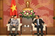 NA leader hosts delegation of Lao NA's Institute of Legislative Studies