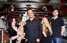 UK's indie band The Wedding Present comes to HCM City