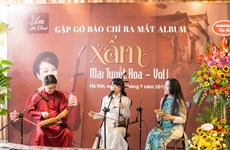 Singer makes debut album of xam music