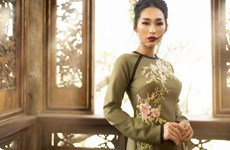 Vietnamese designer to unveil newest 'ao dai' creations in Canada