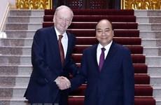 Government leader hosts former Canadian PM