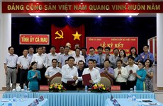 Vietnam News Agency signs information cooperation pact with Ca Mau