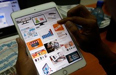 Cambodia approves draft bills on e-commerce, consumer protection
