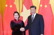 Vietnamese NA Chairwoman meets top Chinese Party and State leader