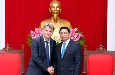 French Communist Party delegation welcomed in Hanoi