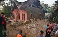 Five killed in 6.9-magnitude quake in Indonesia