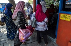Indonesia applies plastic-waste-for-bus-ride solution