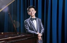 13-year-old Hong Kong piano prodigy returns to HCM City
