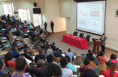 Ambassador highlights Vietnam' foreign policy at Mozambican university