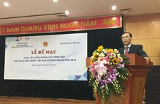 Training course for Vietnamese language teachers closes