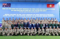 Vietnamese, Australian PMs visit peace-keeping hospital