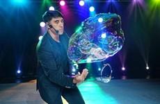 World famous bubble artist Fan Yang returns to Vietnam