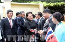 NA Chairwoman meets embassy staff, community representatives in Thailand
