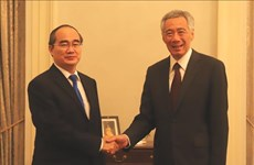 Singaporean PM hopes to boost cooperation with HCM City