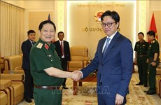 Defence Minister receives Cambodia diplomat