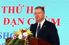 US Ambassador visits Truong Son National Martyrs' Cemetary