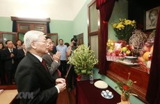 Party leader-President Nguyen Phu Trong offers incense to President Ho Chi Minh