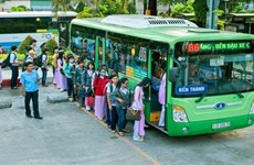 HCM City encourages people to use public transport