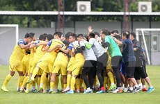 PM shows support for players before World Cup qualifier in Thailand