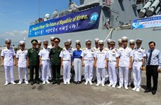 RoK naval ships visit Da Nang city