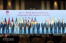 ASEAN, partners discuss regional free trade agreement