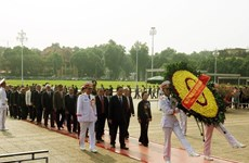 9th VFF National Congress: Delegates pay respect to President Ho Chi Minh