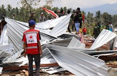 Indonesia: Dozens of thousands of people live in tents after quake, tsunami