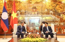 Hanoi leader lauds diplomat's efforts to connect city with Lao localities