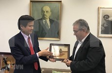 Communist Parties of Vietnam, Greece seek stronger ties