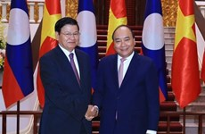 Lao Prime Minister pays official visit to Vietnam