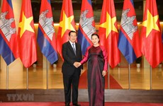 National Assembly Chairwoman meets Cambodian Prime Minister