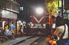 Hanoi urged to shut down café shops along railway tracks
