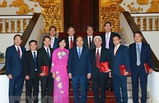 PM receives ambassadors, heads of representative agencies