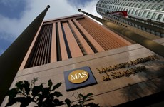 Singaporean central bank eases monetary policy