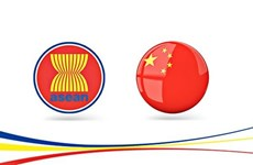Chinese Foreign Minister meets ASEAN ambassadors