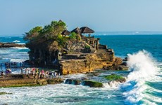 Number of foreign tourists to Indonesia declines