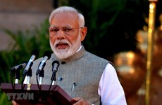 Indian PM welcomes ASEAN's decision to review FTA