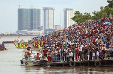 Cambodia ensures security during water festival