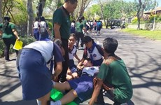 Hundreds of Indonesian students take part in tsunami drill